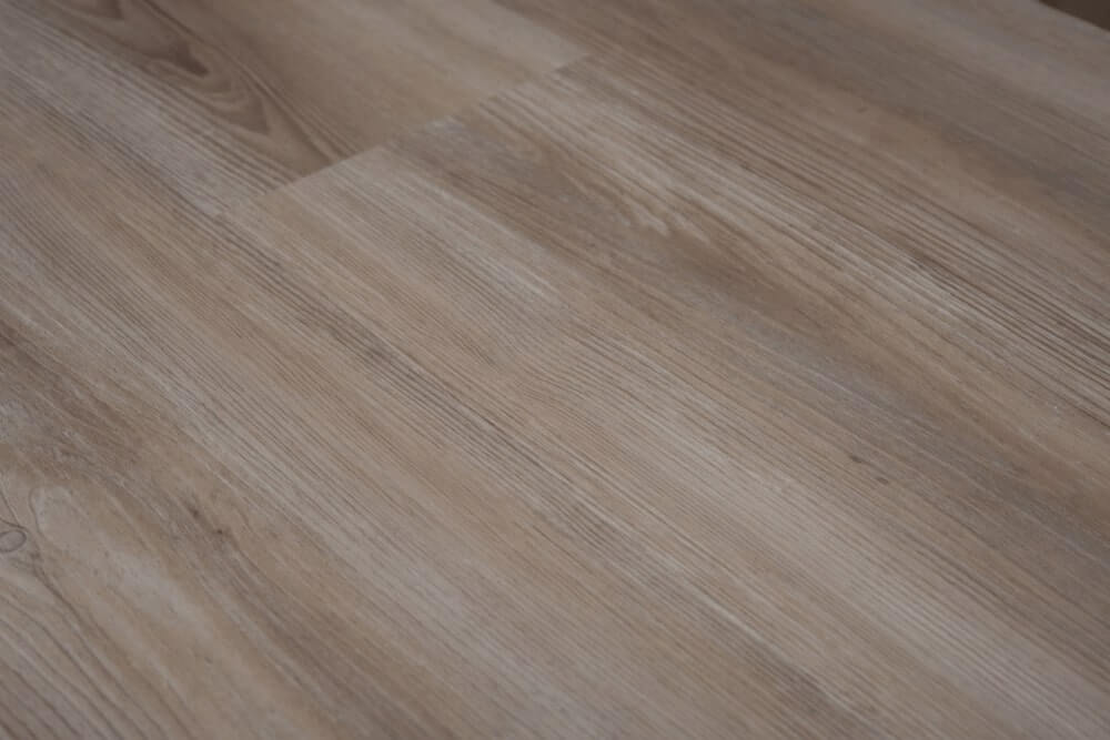 TONED LIGHT OAK BFCore ™️ SPC  FLOORING UKS19001